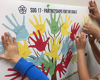 Volunteer Day: ACCIONA volunteers teach sustainability workshops to over 16,000 students in 18 countries